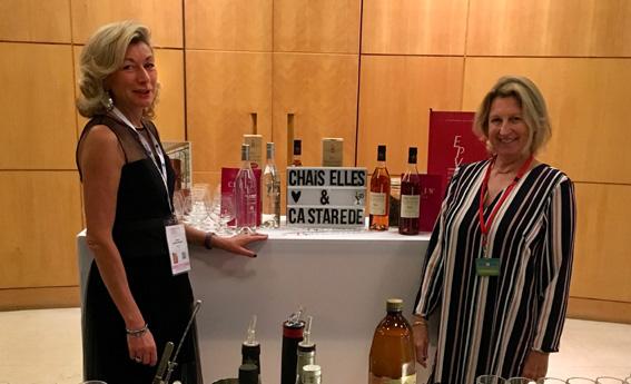Florence Castarède (à droite) et Carole Gaillard Samzun, dirigeante de la société Chais Elles au Women's Forum